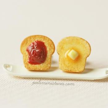 Toast Earrings - Butter and Strawberry Jam Toast Earrings